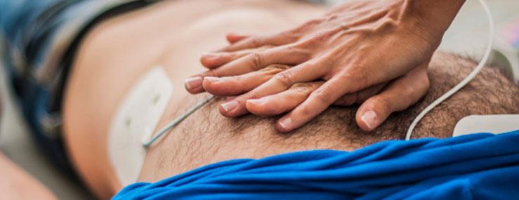 Kan man brække et ribben, hvis man får hjertemassage?